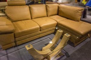 Почистване на кожена мебел и дивани